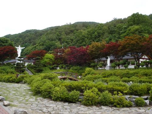 배론성지 (황사영 토굴과 기념 성당)